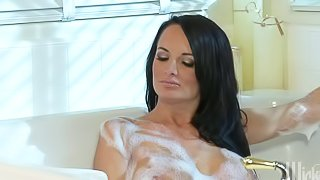 Alektra Blue and Kirsten price are perfect bodied babes with slim legs and big boobs. They show every inch of their stunning wet bodies as they have lesbian sex in the bathroom