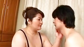 Fat Japanese lady gets fucked by skinny man