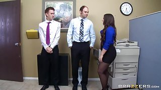 Brunette in black skirt gets fucked